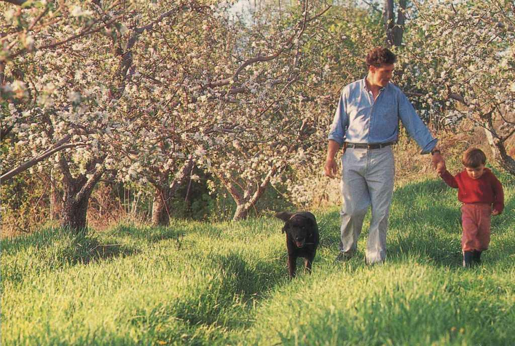 1991-AGTY-Steve-Wood-with-son