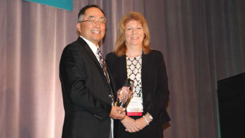 The 2014 Grower Achievement Award winner, Robert Sakata alongside American Vegetable Grower editor, Rosemary Gordon
