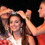 Summer Foley gets crowned Miss Florida Citrus 2015 by 2004 winner Nikki Upthegrove Matthews and reigning Miss Florida Vicotria Cowen