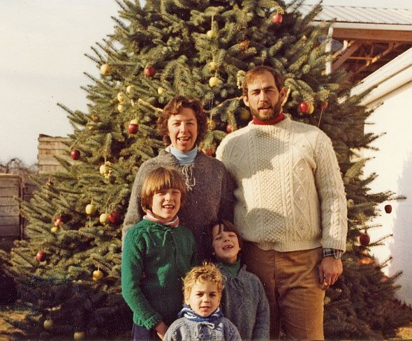 The Mount family pictured in 1980. (Photo credit: Terhune Orchards)