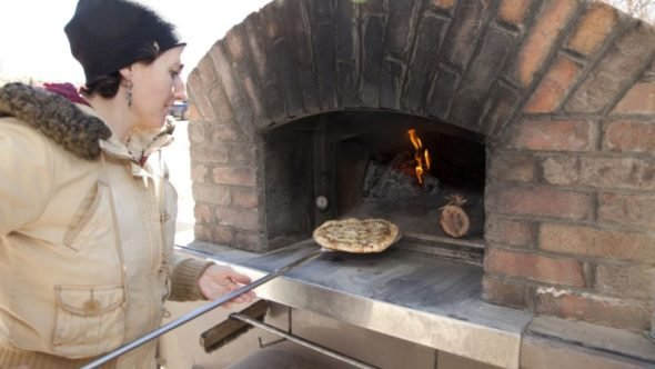 Brick oven pizza at Four Seasons Winter Farmers Market FEATURE
