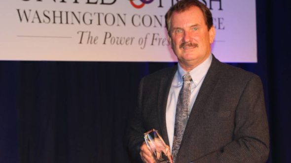 Bob Bender of Tasteful Selections in Irvin, CA, receives American Vegetable Grower magazine's 2016 Grower Achievement Award at United Fresh's Washington Conference Sept. 13. The Grower Achievement Award is sponsored by AgroLiquid.