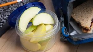 Arctic apple slices will soon hit stores in Midwestern test markets. (Photo credit: Okanagan Specialty Fruits)